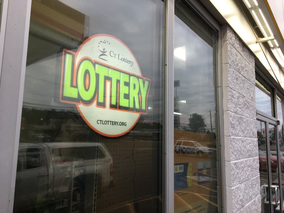 West Hartford Store Sells $500,000 Lottery Winner