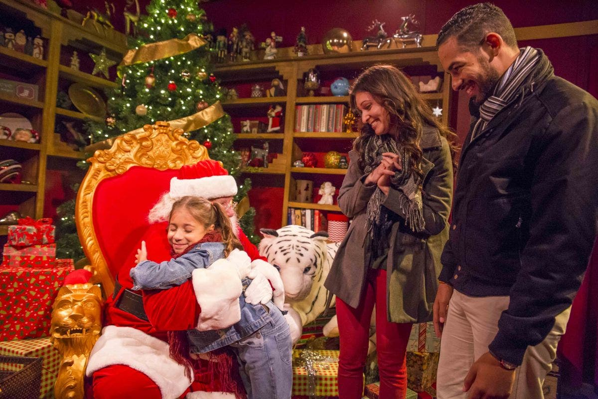 Busch Gardens Christmas Town Tampa.Christmas Town Returning To Busch Gardens With Rudolph