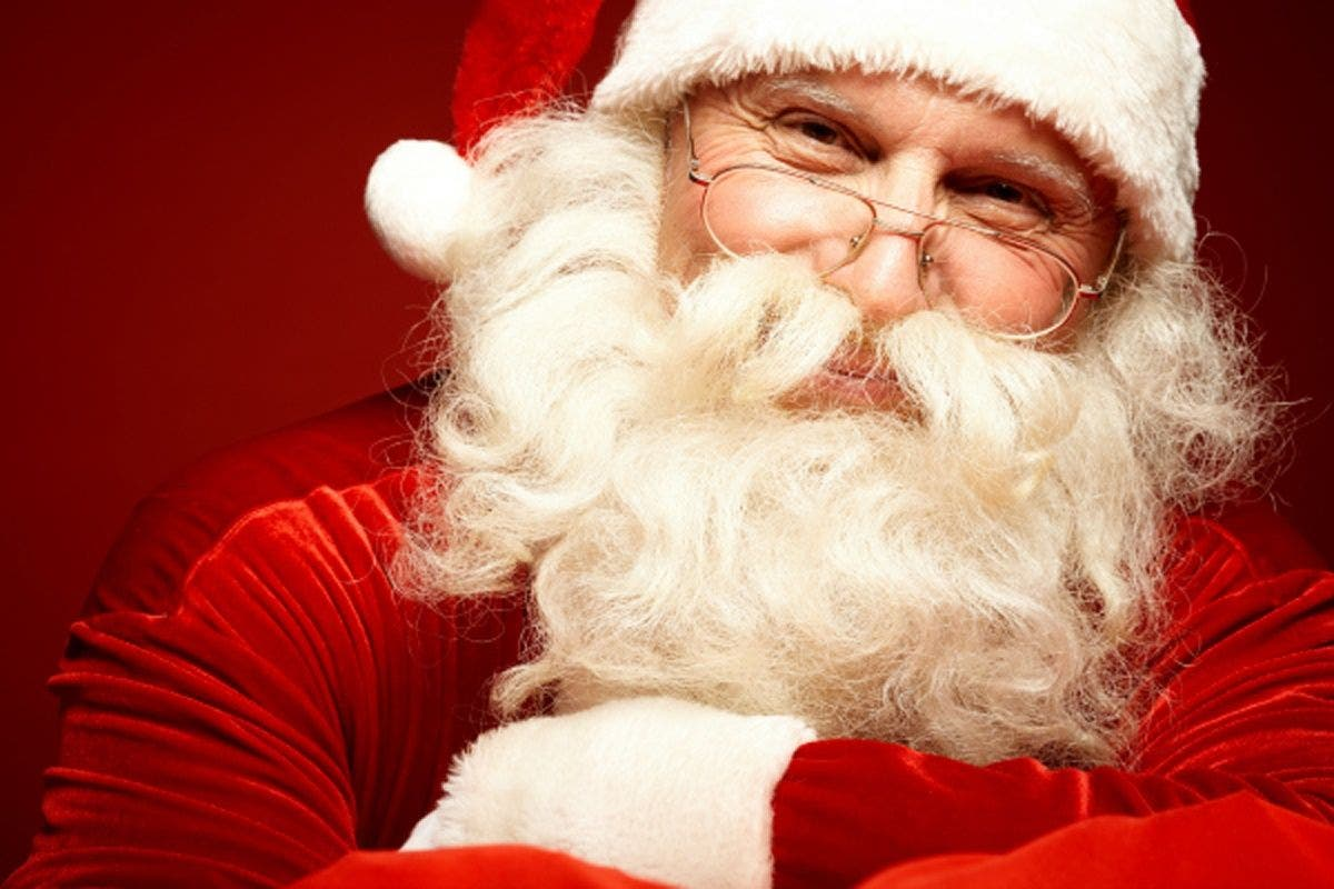 Mall Santa Says Hillary Clinton on 'Naughty List,' Gets Replaced