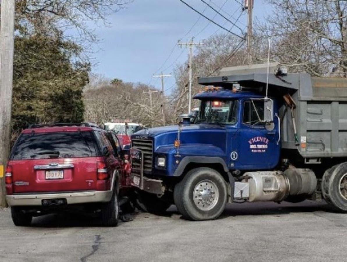 Truck Vs Suv >> Falmouth Dump Truck Vs Suv Crash Injuries Reported