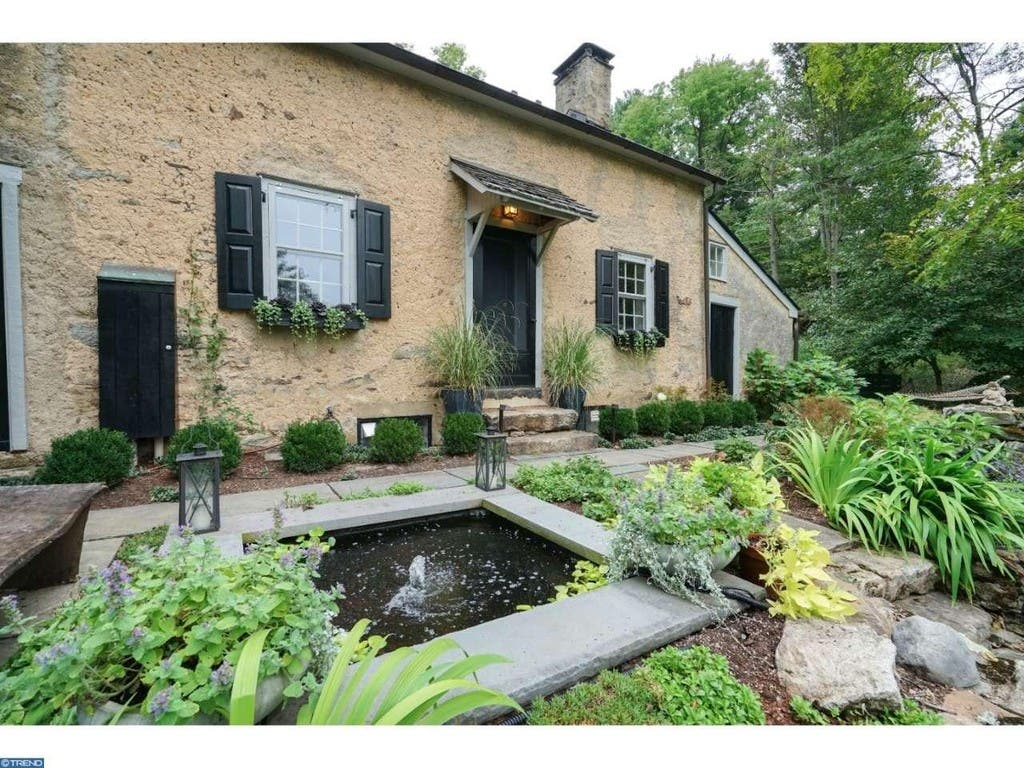 Storybook Cottage' Built In 1705 Up For Sale In New Hope