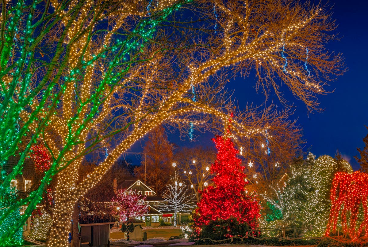 Peddlers Village Christmas 2019 The Best Christmas Light Displays In Eastern Pennsylvania