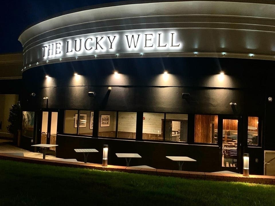 Food Network Star Opens Bucks Co Bbq Restaurant New Hope