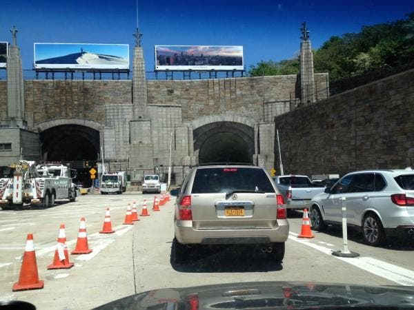 20 Injured After 2 NJ Buses Collide In Lincoln Tunnel | Fort