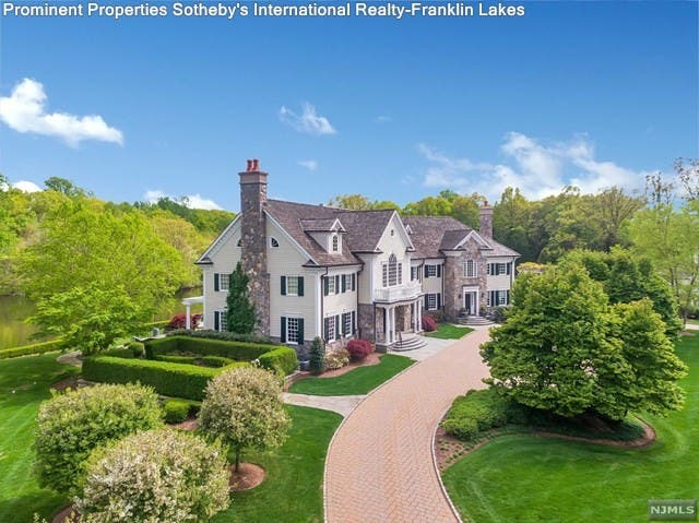 Ex-Giants QB Phil Simms' Mansion Is Still On The Market ... on