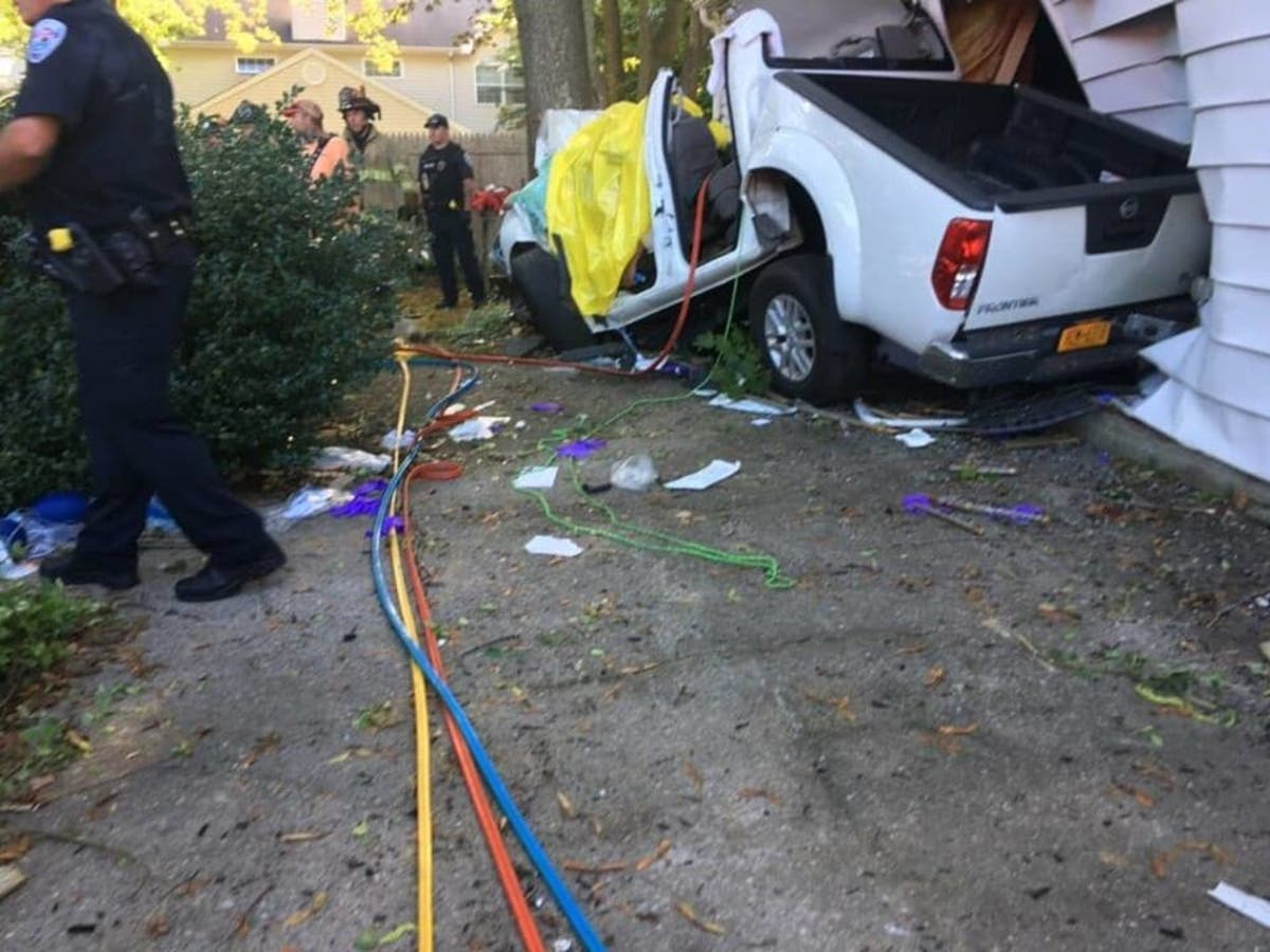 1 Killed After Crash At Funeral Home: Cops | Westhampton, NY
