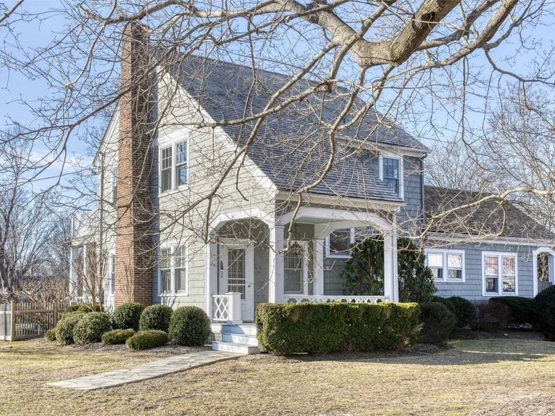 Wow House: 1920s Village Classic Made For Gracious Entertaining