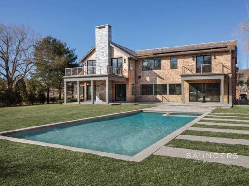 Wow House: Beautiful Barn-Style Home With Horse Farm, Fields