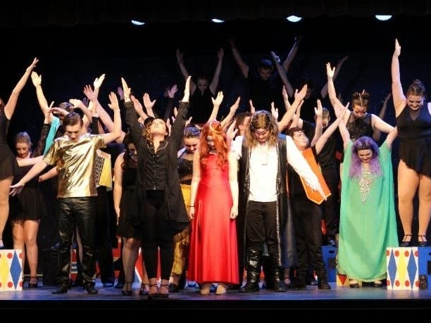 Last Chance: Cast Of NFCTs Pippin Has Magic To Do