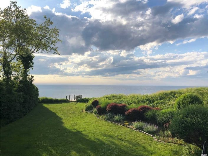 Wow House: Orient Home With Sweeping Sound Views, Amazing Sunsets