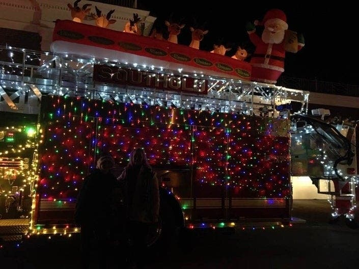 Southold Fire Departments Annual Santa Parade Set To Delight