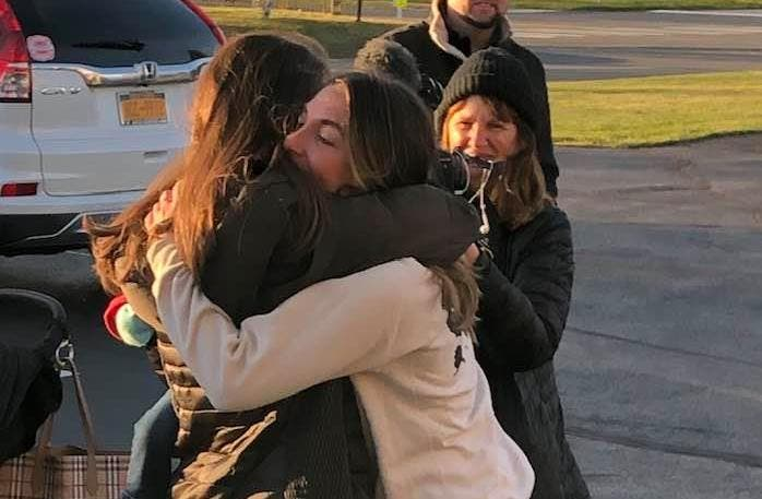 Crowd Welcomes Home Woman Who Found Kindness Nationwide: Video