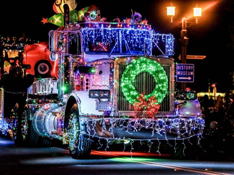 Temecula Christmas Parade 2019 Temecula Light Parade 2017: Celebrate Santa's Electric Lights