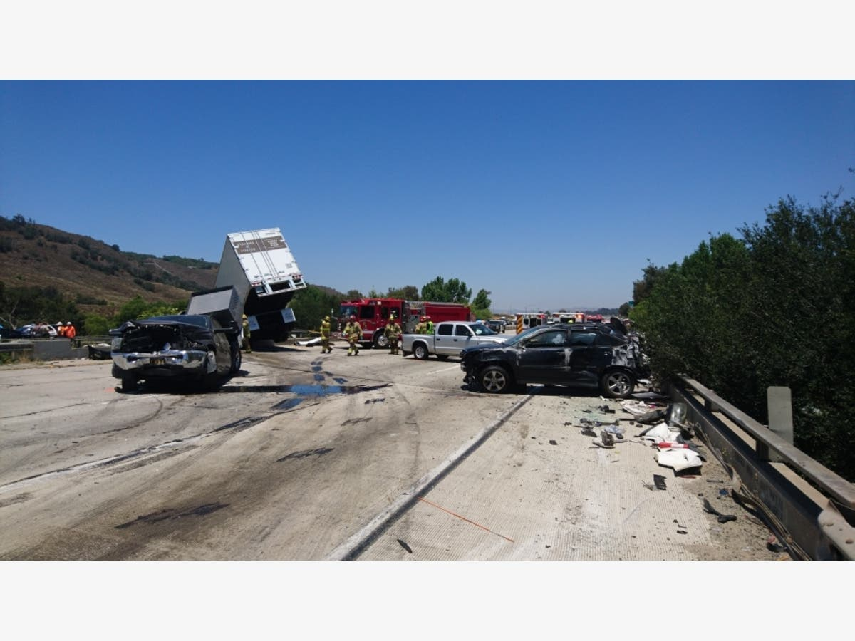 Massive I-15 Wreck In Temecula Prompts 10-Hour Closure [UPDATED