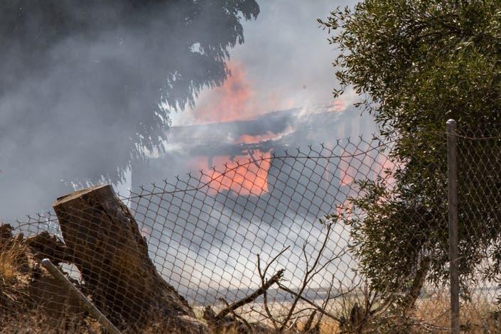 Fire Destroys Structure Burns 2 Acres In Nuevo Murrieta
