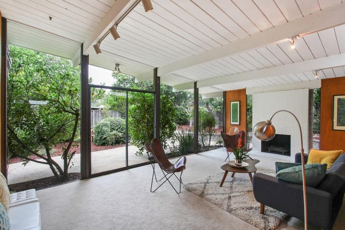 Live The Eichler Lifestyle In This San Mateo 4-Bedroom