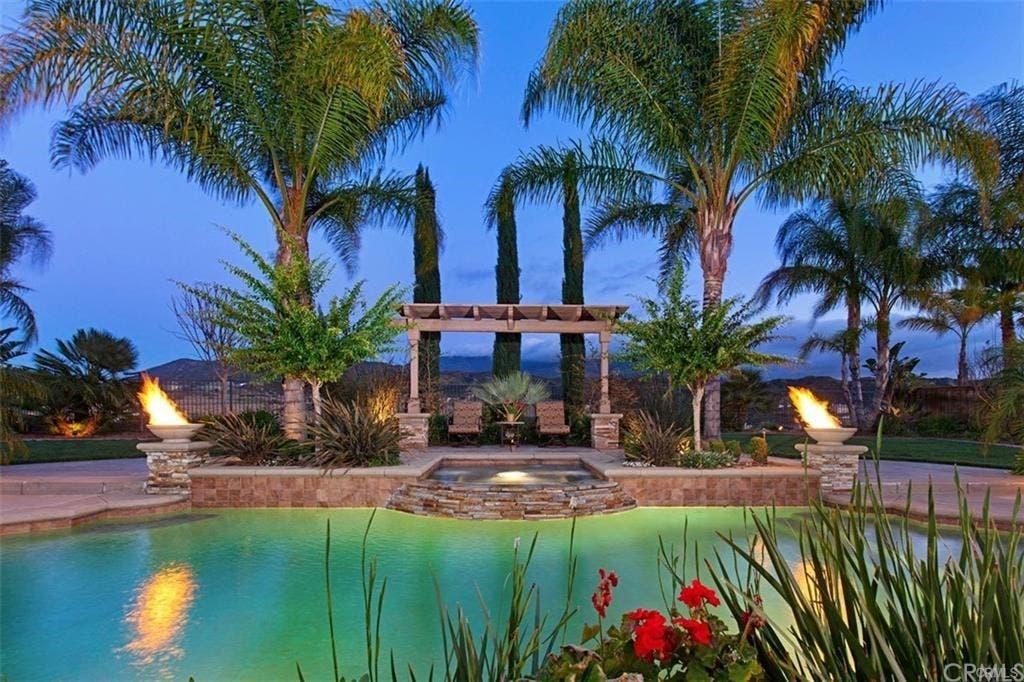 Beautiful Vistas Outdoor Oasis At Single Story Temecula