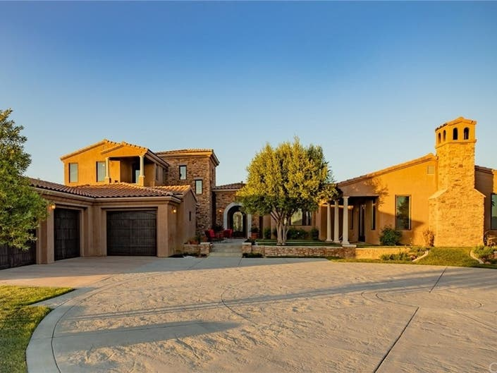 Tuscany Meets Temecula In $2M Wine Country Estate