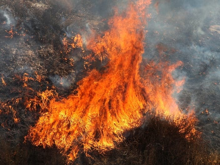 Fire Breaks Out In Badlands Near Beaumont, SR-60 Closed