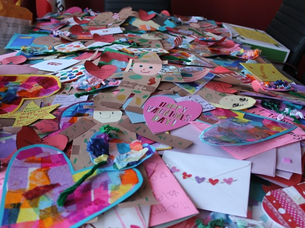 Peninsula Students Hand Make 7,200 Cards For Local Veterans
