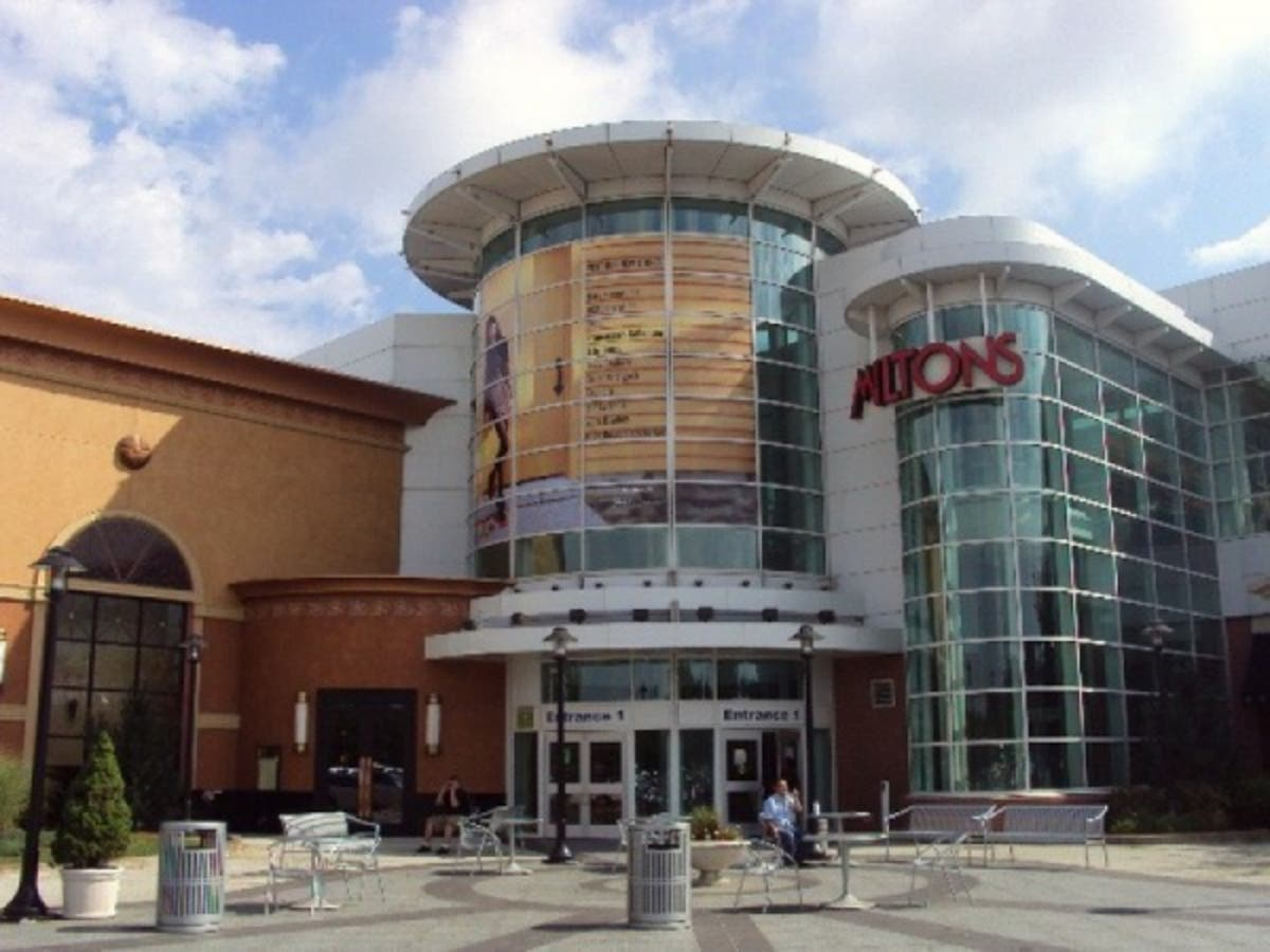 5dc0d31ac3e Two Italian Stores Now Open At South Shore Plaza | Braintree, MA Patch