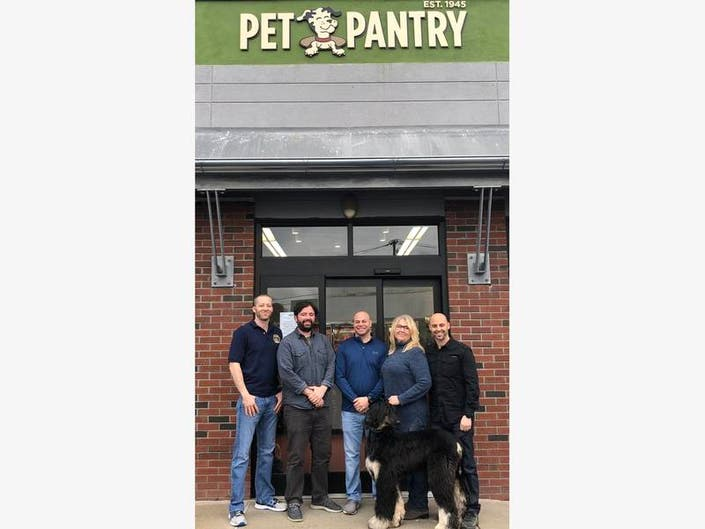 Pet Pantry Warehouse Opens In Scarsdale New York