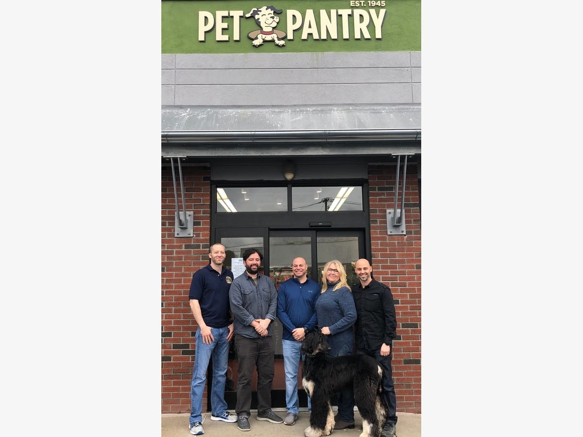 Pet Pantry Warehouse Opens In Scarsdale