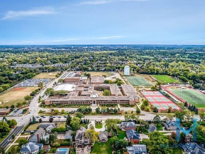 Townhomes & Condos For Sale in Hinsdale, Illinois - April 2019