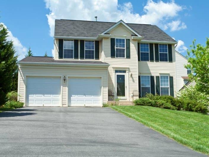 Single Family Homes For Sale in La Grange, Illinois - April 2019