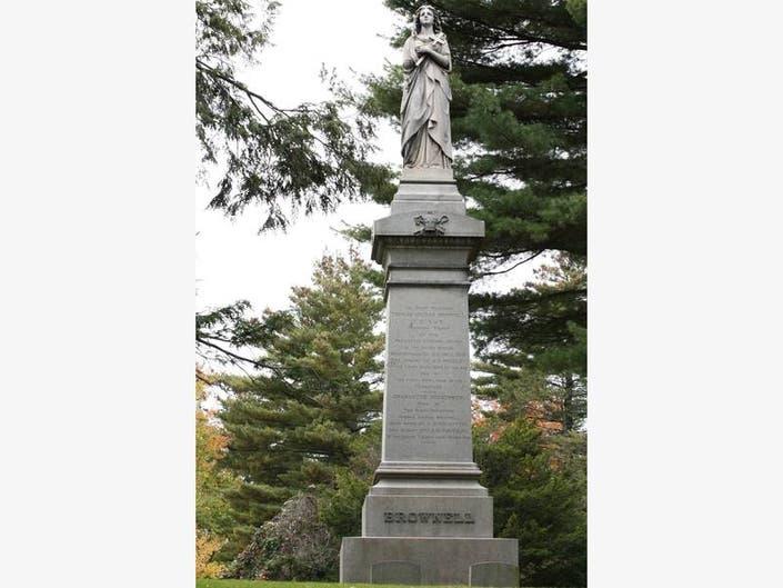 Cedar Hill Cemetery Foundation Offers College Ties Tour