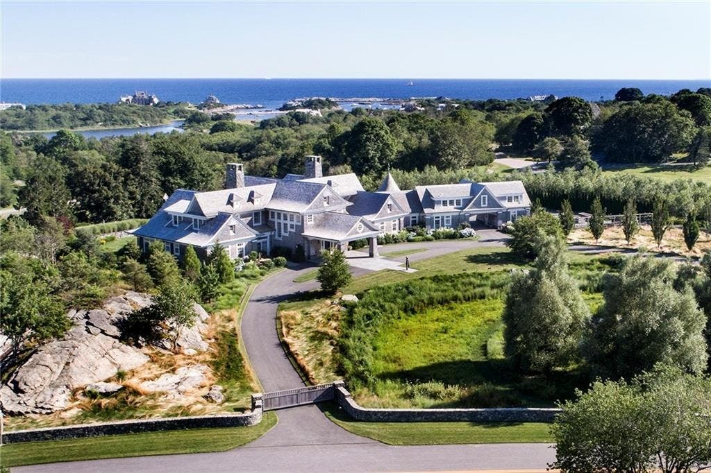 Wow House Judge Judy Buys Gorgeous Newport Estate Greenwich
