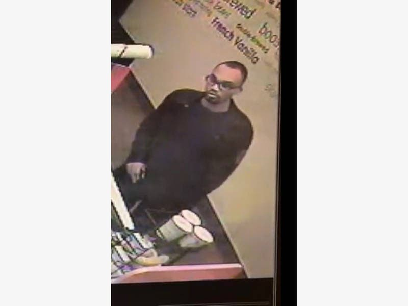 Suspicious Man Tries To Entice Girls Into New Canaan Bathroom: PD