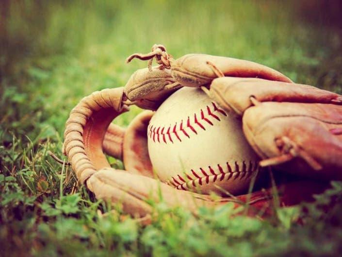 Greenwich Teen Catches Yankees Players Milestone Home Run Ball
