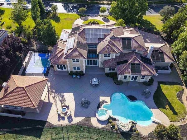 15 Gorgeous California Homes With Gigantic Yards Castro Valley Ca Patch