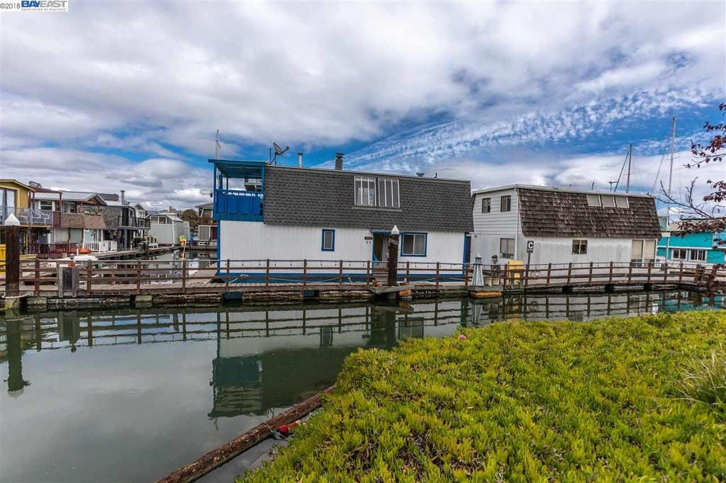 Live On This Alameda Houseboat With A Tom Hanks Connection | Alameda