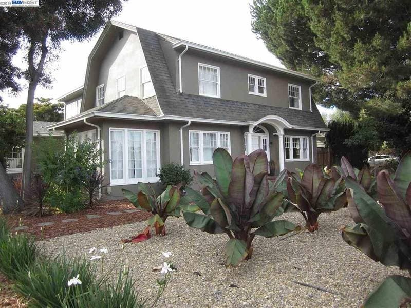 1924 San Leandro Home Just Listed