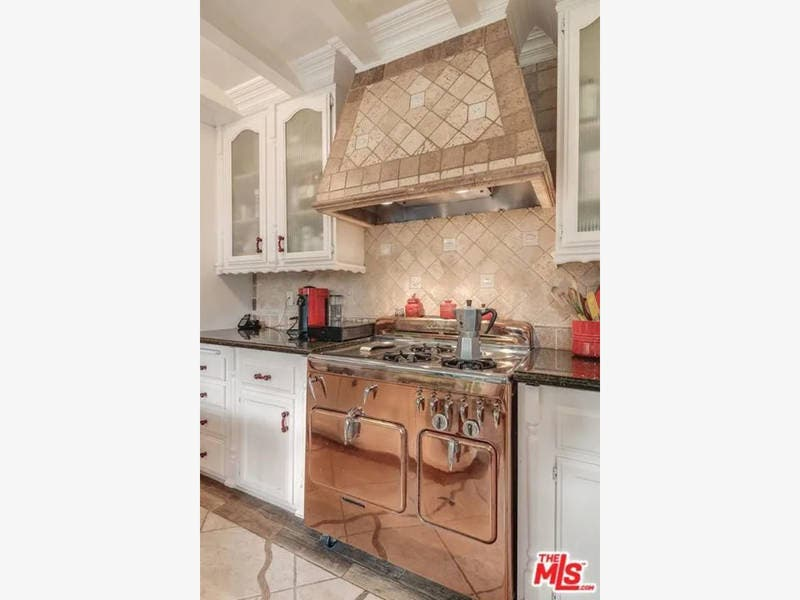 11 Remodeled CA Kitchens To Spark Inspiration