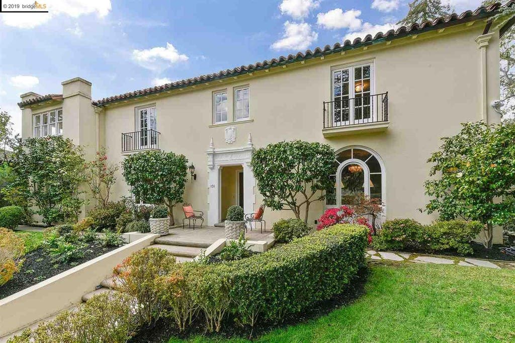1933 Grand Estate In Piedmont Just Listed: See Inside