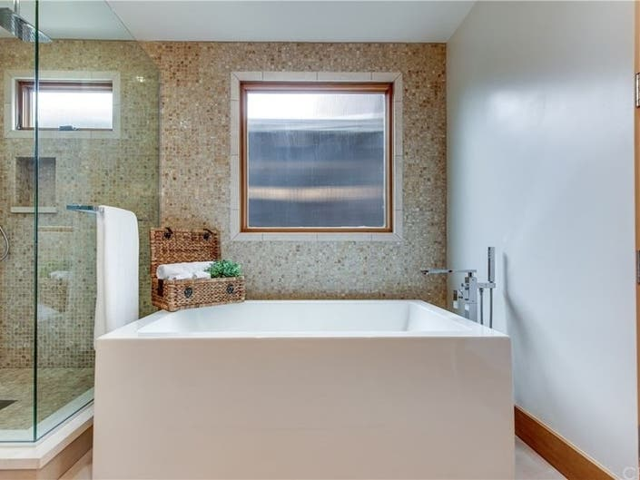 Home Pampering: Spa-like Amenities In Master Suites