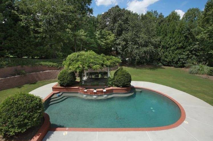 Chill Out: 5 Alpharetta-Milton Homes With Swimming Pools ...