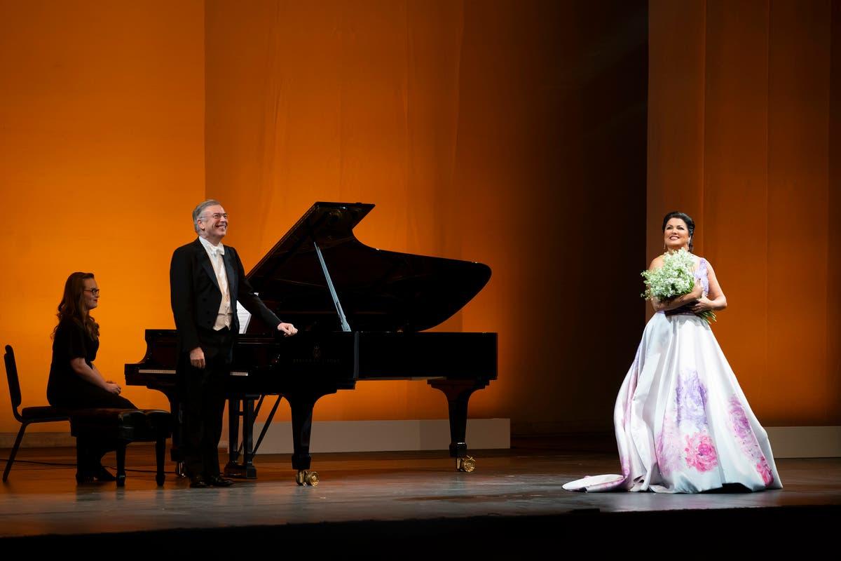 Opera In Park Saturday Night Barcarolle >> Anna Netrebko S Russian Soul Shines At Lyric Opera Of Chicago