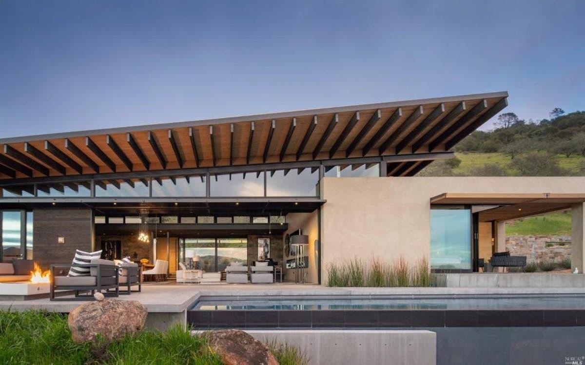 Modern Napa Valley Home Maximizes 360-Degree Vineyard Views