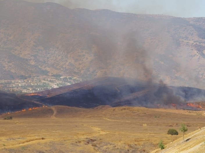 80-Acre Brush Fire Prompts I-15 Closure | Lake Elsinore, CA
