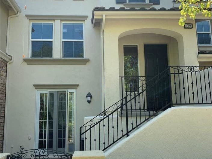 Move-In Ready Townhome: New Temecula Lisiting