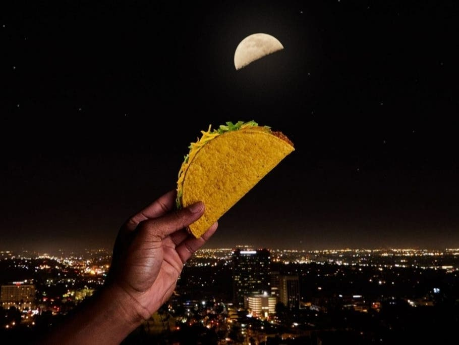 When The Moon Hits Your Eye Like A Big Taco: It's Freebie Time