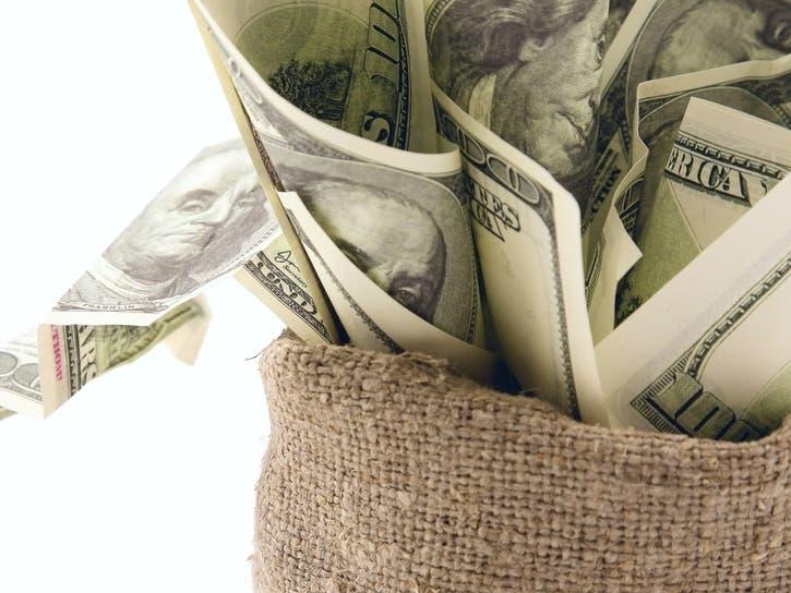 Restaurant Property Sells For $3.9 M / Hemp Retailer Expands