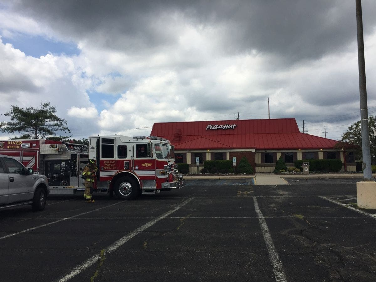 Gas Odor Forces Evacuation At Toms River Pizza Hut Police Toms River Nj Patch