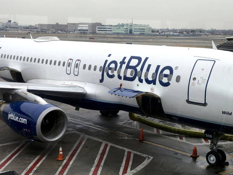JetBlue Pilots Drugged, Raped Female Co-Workers, Suit Alleges
