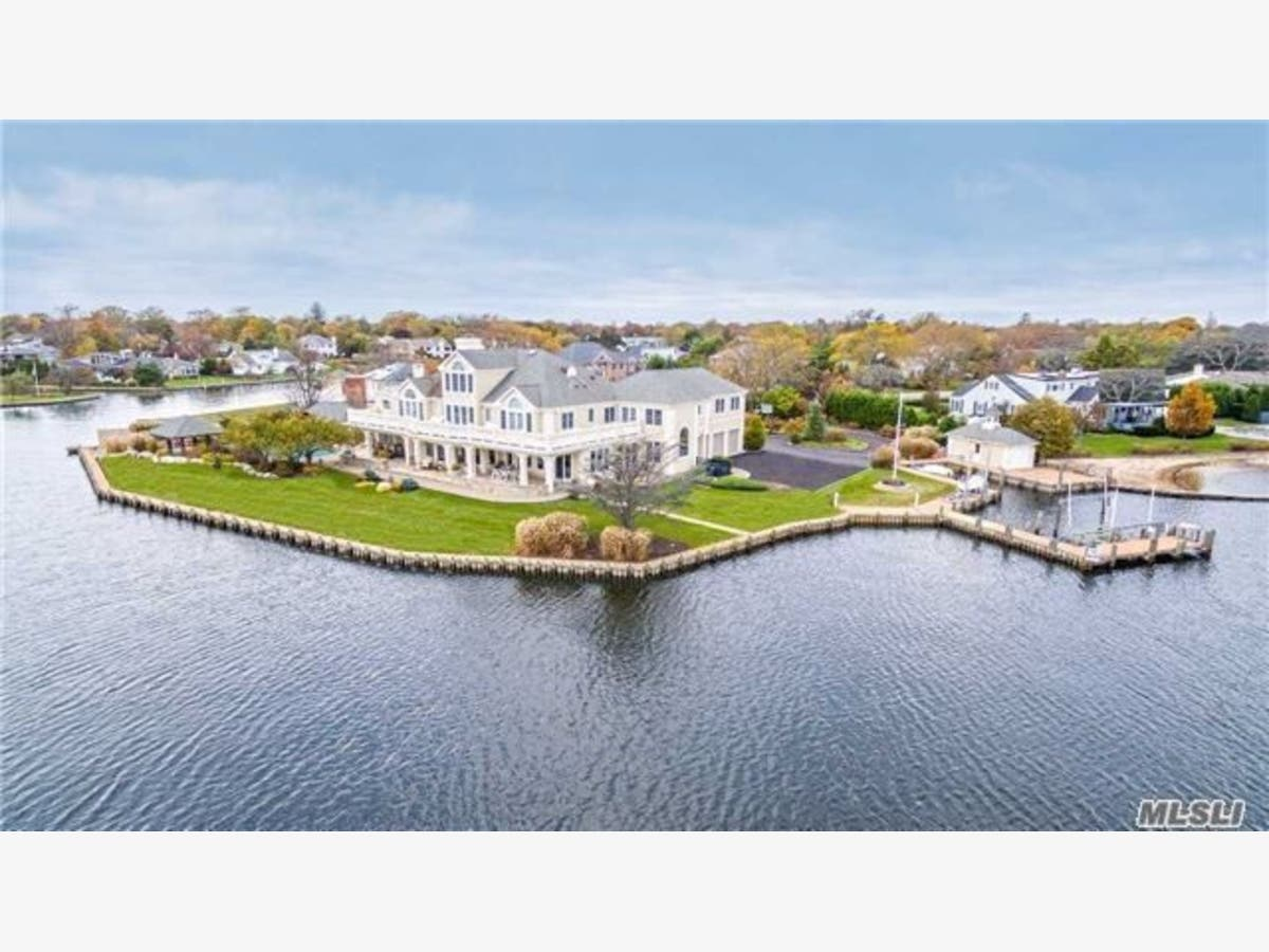 Long Island Homes With Garages Bigger Than Most NYC ...