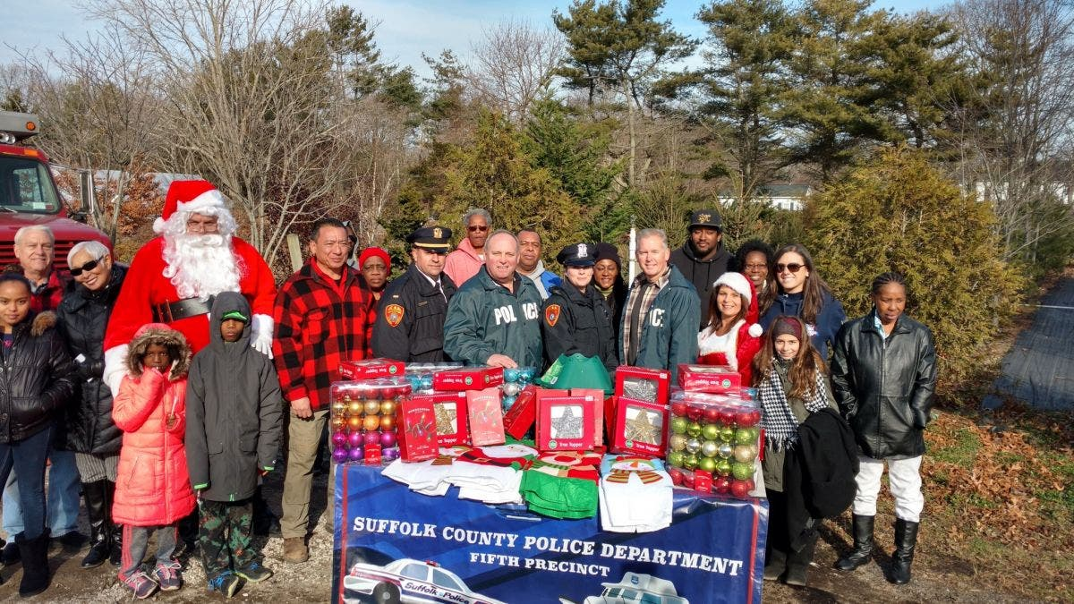 ... WATCH: Suffolk Police Donate Christmas Trees, Decorations to Families in Need-0 ...